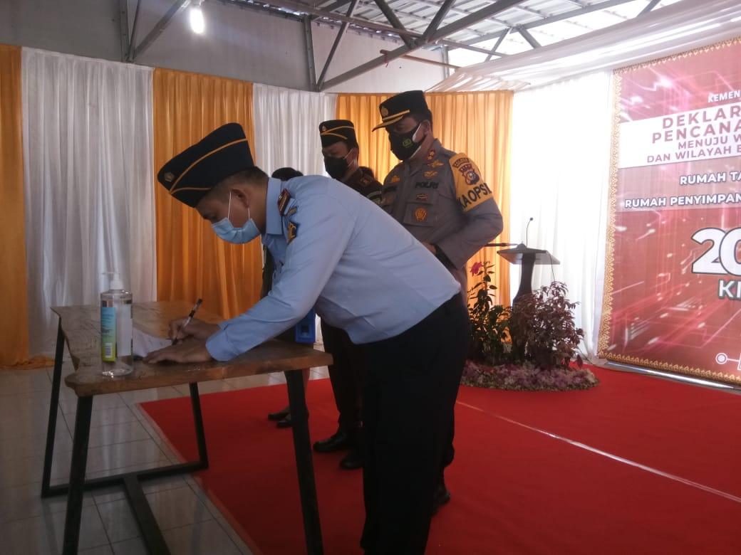 Rumah Tahanan Kelas II B Rengat deklerasi zona integritas untuk meningkatkan pelayanan pada publik.