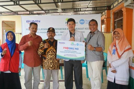 PT Persero Pegadaian AREA Pekanbaru dan PKPU Human Initiative Riau melaksanakan Program Kesehatan Masyarakat Keliling (Prosmiling).