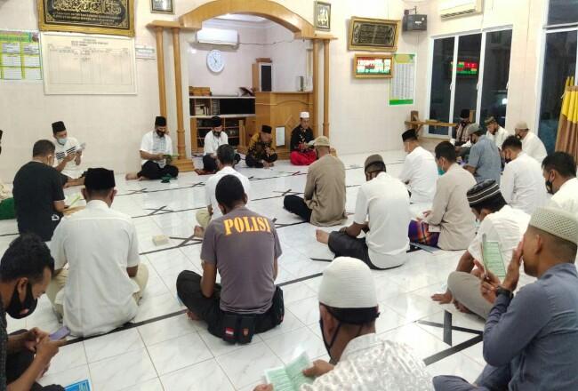 Yasinan dan doa bersama yang digelar Polres Inhu.