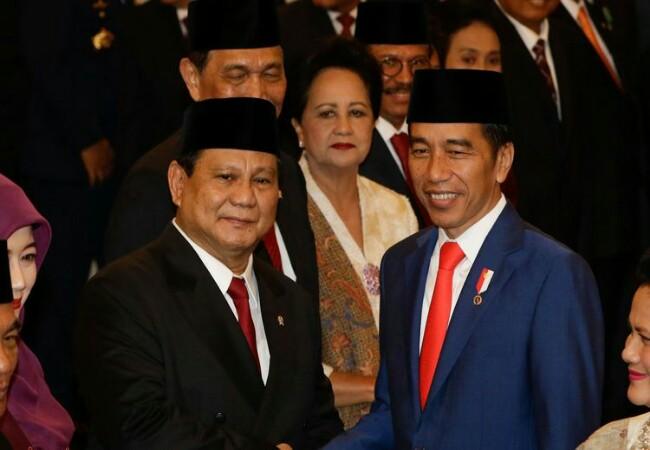 Menteri Pertahanan Prabowo Subianto dan Presiden Joko Widodo.