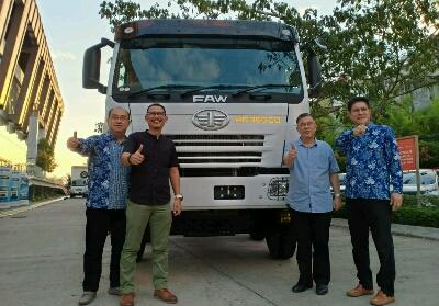 FAW menguasai sekitar 30% pasar truk heavy duty di wilayah Riau.