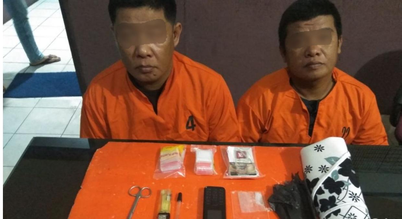 Dua pria diduga pengedar sabu