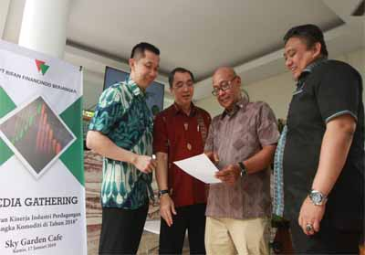 Kinerja PT Rifan Financindo Berjangka hingga akhir 2018 berhasil membukukan kinerja positif sepanjang tahun 2018 dengan pencapaian melebihi 1 juta lot.