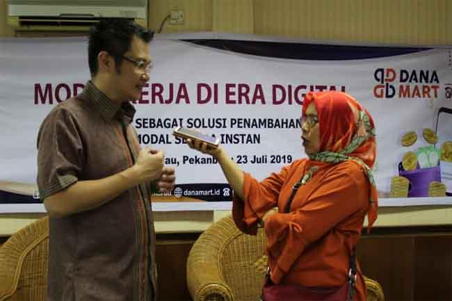 Sosialisasi Modal Kerja di Era Digital di Pekanbaru.
