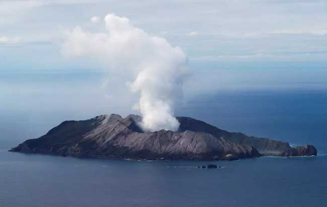 Gunung Berapi White Island.