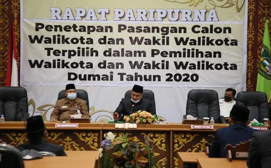 Ketua DPRD Dumai Agus Purwanto memimpin Paripurna Penetapan Paslon Walikota dan Wakil Walikota Dumai terpilih