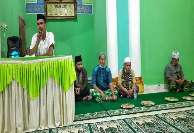 Kepala Dusun 1 Pandau Makmur Adi Candra saat memberikan kata sambutan.
