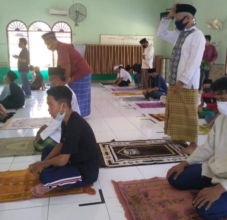 Suasana jelang Salat Jumat di Masjid Awaluddin