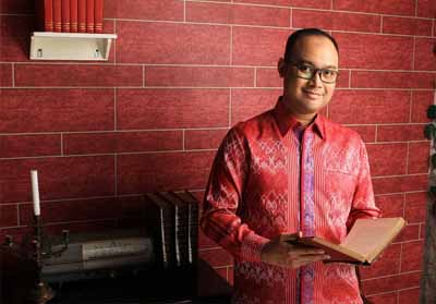 Anggawira, Juru Bicara Calon Wakil Presiden (Cawapres) Sandiaga Uno sekaligus Caleg DPR RI Dapil Jabar VIII (Kab. Indramayu, Kabupaten dan Kota Cirebon).
