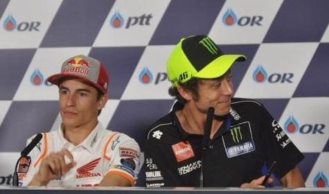 Valentino Rossi berguyon bakal menyantet Marc Marquez agar rekor-rekornya tidak dilewati. (CNN Indonesia/Ahmad Bachrain)