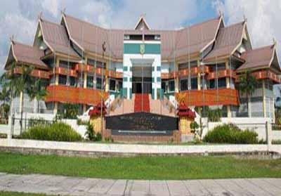 DPRD Riau.