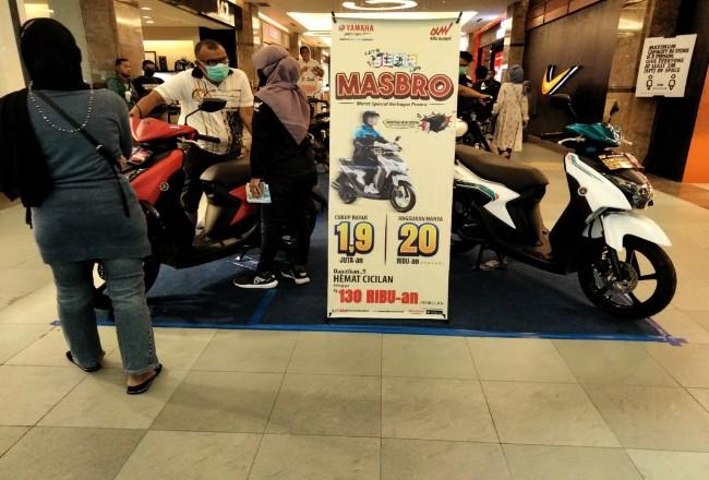 Pameran Motor Yamaha di Mal SKA Pekanbaru.