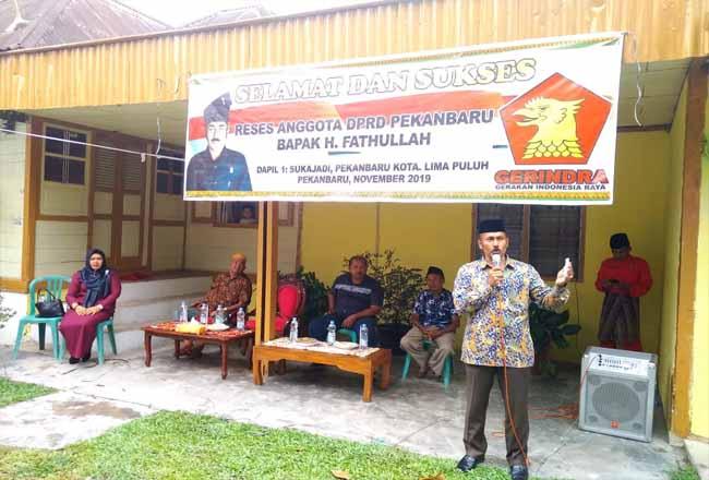 Reses H Fatullah anggota DPRD Kota Pekanbaru di Kecamatan Limapuluh.