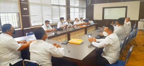 Apedsi) Rokan Hulu, Rabu (5/4/2021) datangi kantor Badan Pengelola Keuangan Aset Daerah (BPKAD) setempat.
