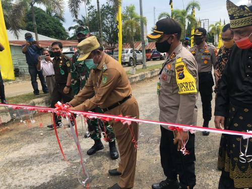 Wabup Jamiluddin meresmikan Kampung Tangguh Nusantara Polres Rohil.