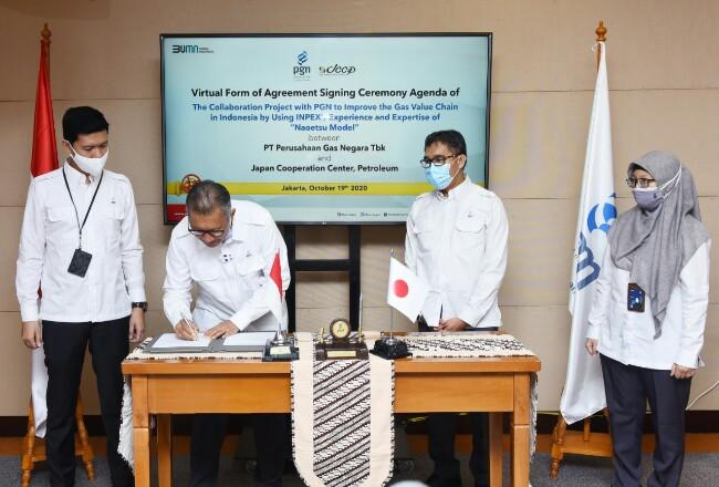 Penandatanganan kerjasama dilaksanakan oleh Direktur Strategi dan Pengembangan Bisnis PGN Syahrial Mukhtar dan Eiji Hiraoka selaku Direktur Eksekutif Senior JCCP, (19/10/2020).