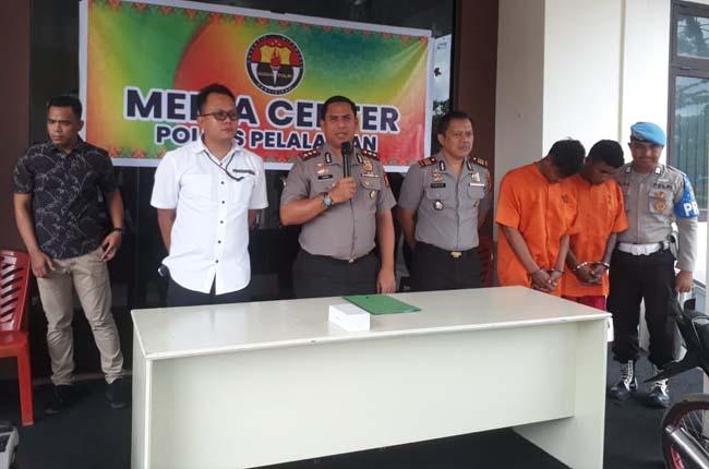 Kapolres Pelalawan AKBP Hasyim Risohandua saat konferensi pers terkait begal yang ditangkap oleh aparat Polres Pelalawan.