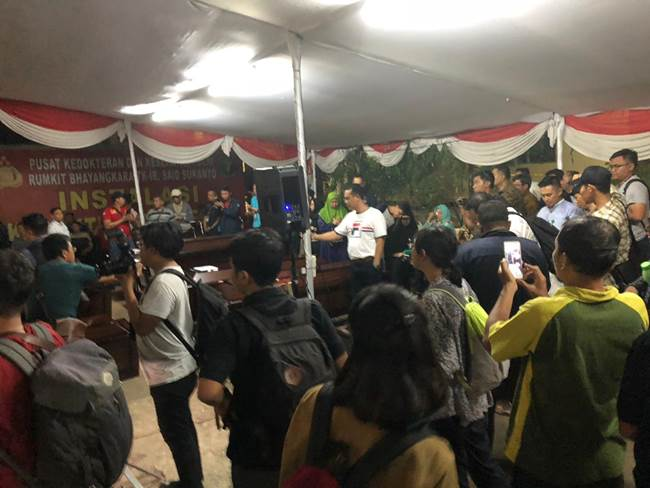 Penyerahan jenazah 13 korban Lion Air jatuh kepada keluarga m