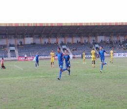 PSPS Riau unggul lawan Sriwijaya FC 2:1.