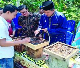Gubernur Riau, Ir H Arsyadjuliandi Rachman MBA saat kunjungan kerja ke Kota Dumai.