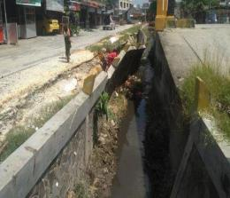 Drainase di Pekanbaru perlu perbaikan. FOTO: Tribun.