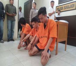Tiga tersangka yang diamankan Polsek Sukajadi.