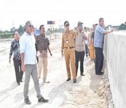 Pansus Ranperda Penyertaan Modal melakukan kunjungan lapangan ke Kawasan Industri Tenayanraya (KIT). Kunjungan ini diinisiasi Wakil Ketua Pansus Mulyadi usai menggelar rapat di DPRD Pekanbaru, Selasa (7/1/2020).