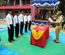Bupati Sukiman, melantik 5 anggota BPD sekaligus peresmian pemanfaatan Stadion Mini di Desa Sangkir Indah, Kecamatan Pagaran Tapah Darussalam.