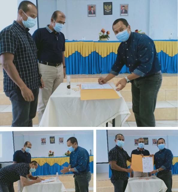 <p>Penandatanganan Pakta Integritas secara simbolis oleh Ketua Umum Ikatan 4968, M Syech Ismed di SMAN 6, Pekanbaru, Sabtu (22/11/2020). Foto Budy</p>